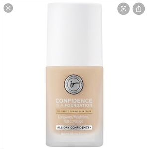 Never used IT Cosmetics confidence in a foundation
